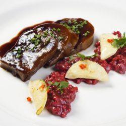 Rinderzunge  mit Rosinen/Madeira-Soße
